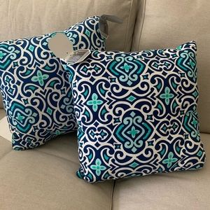 NWT [Set of 2] Patterned Throw Pillows 15x15